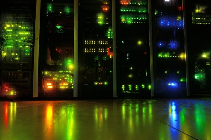light-night-reflection-room-network-server-1136169-pxhere.com